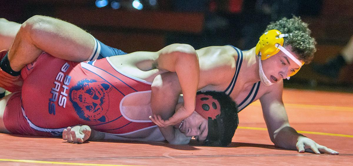 Wrestling: Oroville, Omak to put on regionals