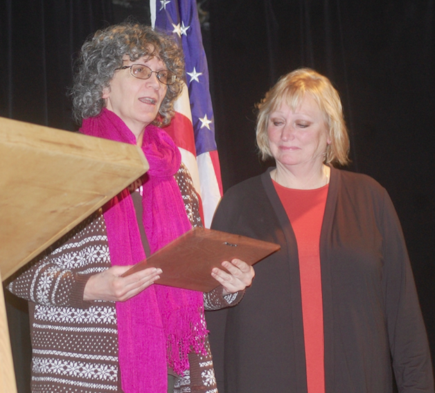 Tonasket chamber honors business, people