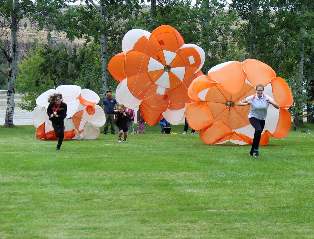 parachute race