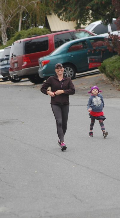 Autumn Leaf Run draws 71 participants