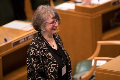 Lawmakers again wrestle with limiting money in Oregon politics