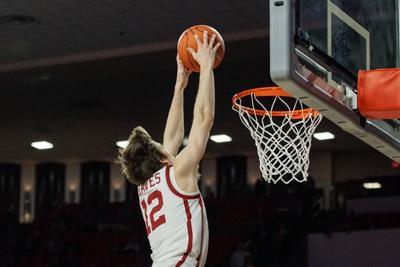 Austin Reaves dunk