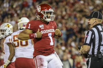 Ou Football Jalen Hurts Ties Patrick Mahomes With Third 3