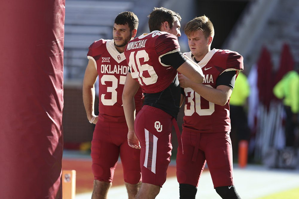 Oklahoma Football Sooners Debut Red On Red Uniforms For