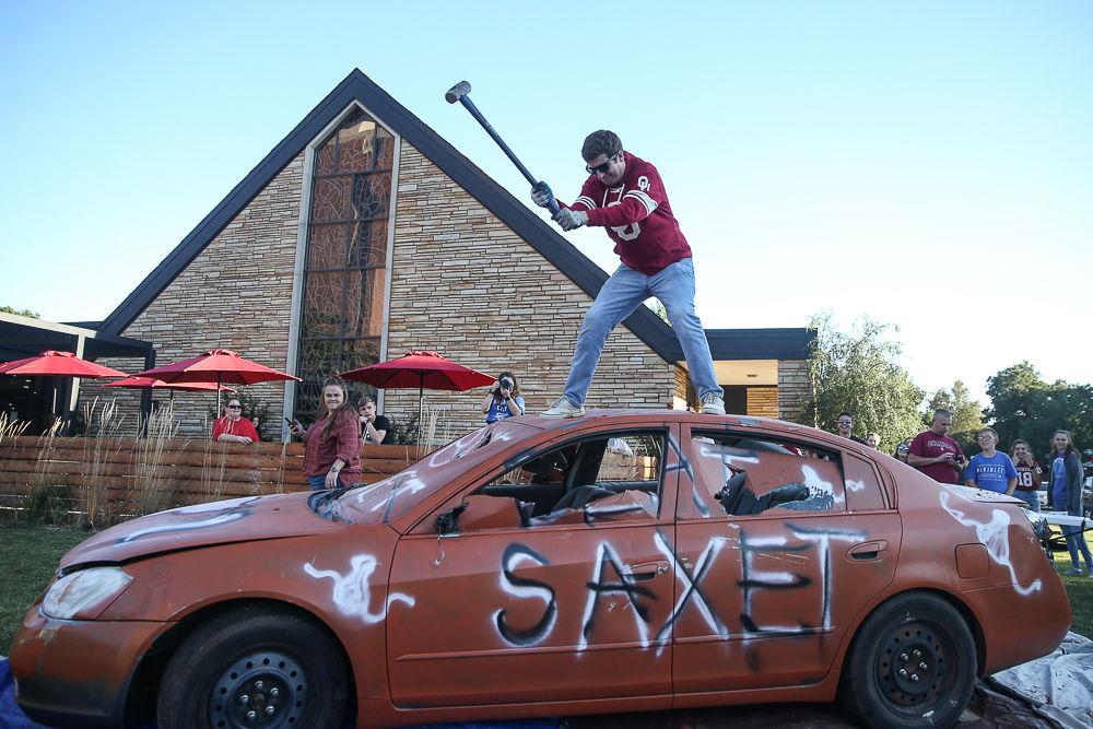 """""""Beat Texas"""" Car Smash"""