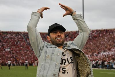cce1a0111be0 OU football  Baker Mayfield breaks NFL record for rookie touchdown ...