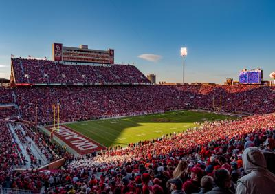 Oklahoma Memorial Stadium (fans)