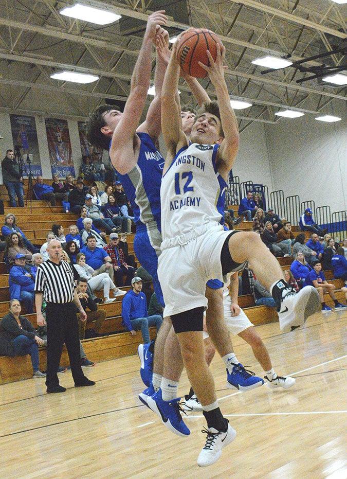 Wildcats win over Warren, Macon counties