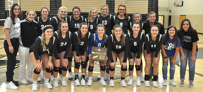 LA Volleyball takes District Tournament championship, now perfect 15-0