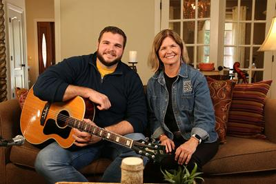 "Jake Hoot to appear on ""One on One"" Sunday on WCTE"