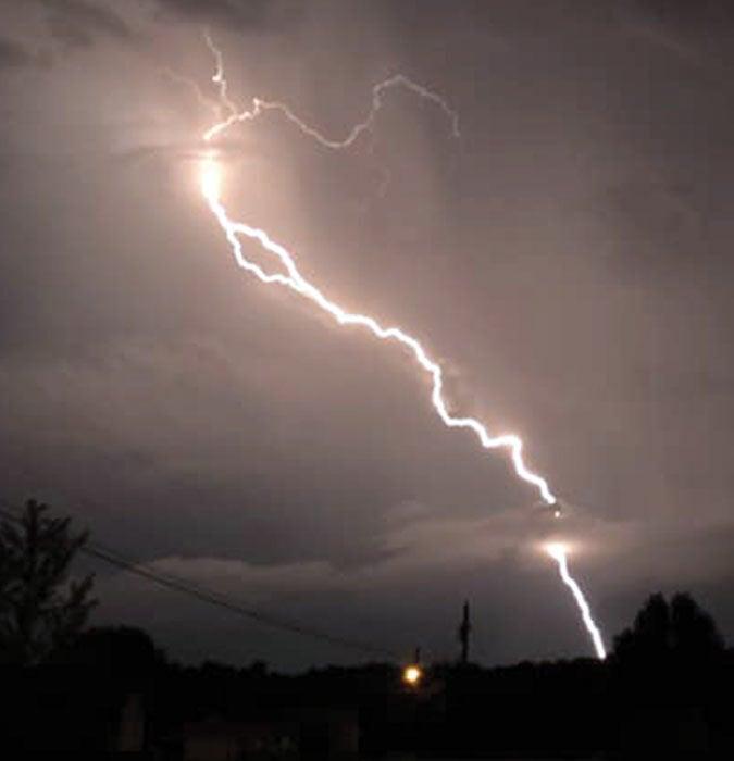 Lightning storm lights up Overton County area