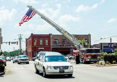 Town bids farewell to Vice Mayor