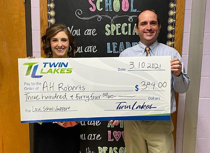 Twin Lakes donates $1 per student to area schools