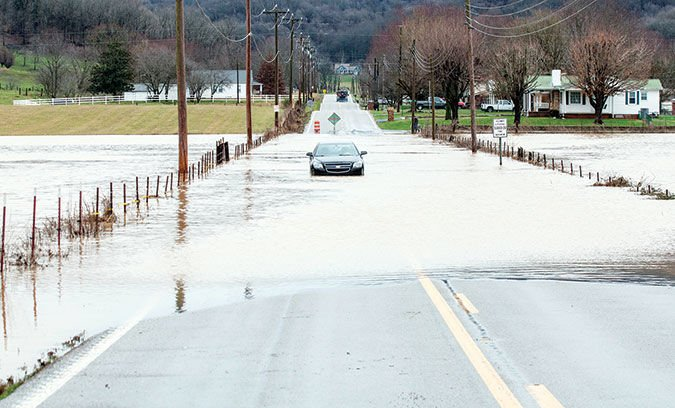 From duck boots to snow shoes, Tennessee weather hits county with flood waters, snow