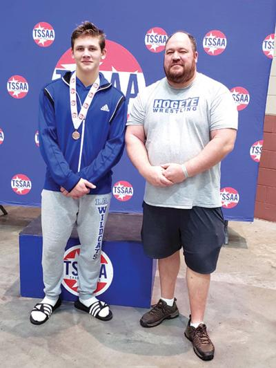 LA's John Geist places 5th in State Wrestling