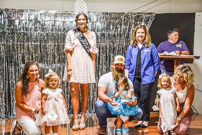 Robbins, Hughes named winners in 18-23 months baby contest