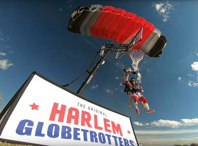 Globetrotter makes record lofty goal
