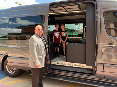 Libby Elementary students treated to lunch, limo ride