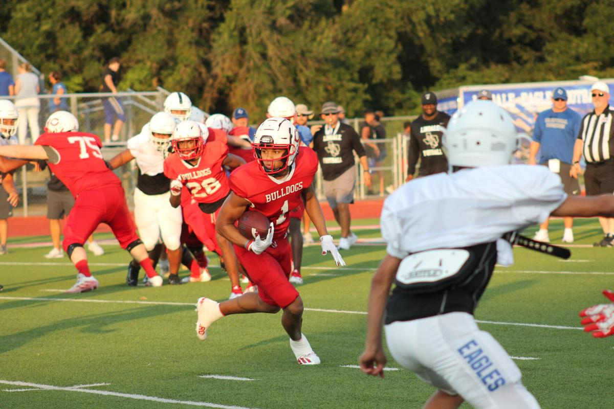 Football: Carthage vs. Lindale scrimmage