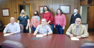 Judge, mayors proclaim 4-H week