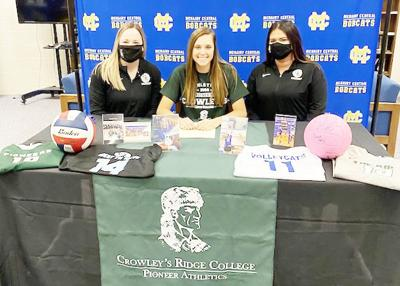 Tennessee hitter signs with CRC Volleyball