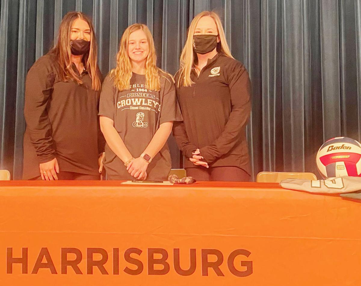 Crowley's Ridge volleyball signs pair of setters
