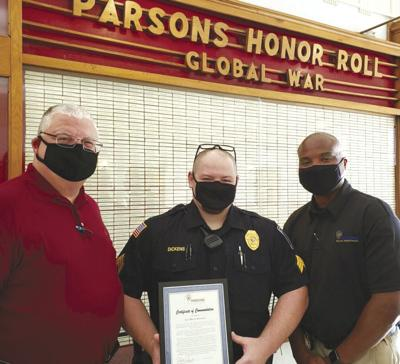 Sgt. Dickens receives    commendation Monday
