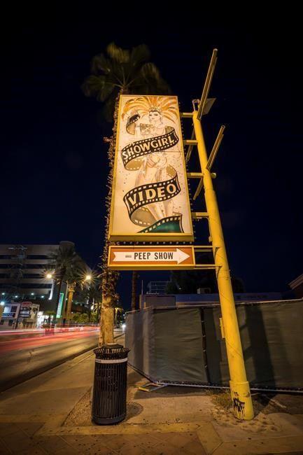 End of an era: Lone peep show in Las Vegas area closes