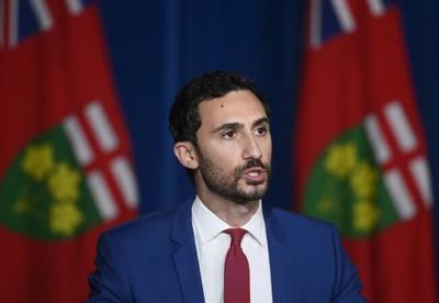 Ontario unveils new Grade 9 math curriculum that eliminates streaming