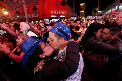 Despite virus, thousands celebrate New Year's Eve in Vegas
