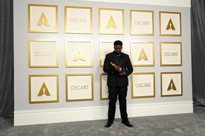 Daniel Kaluuya wins supporting actor, his 1st Oscar