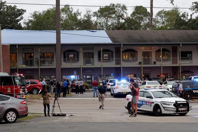 Man Says He Wrestled With Gunman During Yoga Studio Shooting World News Pentictonherald Ca