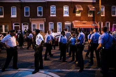 NewsAlert: Philadelphia gunman in custody after hourslong standoff