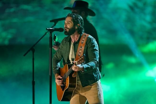 Underwood wins at CMT Awards; Gladys Knight, H.E.R. perform