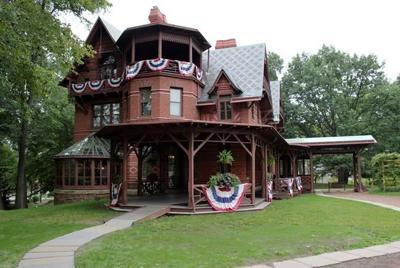 Novelist David Baldacci gifts $1M to Mark Twain home