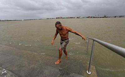 'It's powerful': Tropical storm starts lashing Louisiana