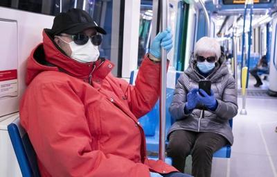 Quebec mandates masks on public transit but won't issue fines for non-compliance