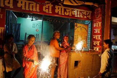 Hindus rejoice, Muslims deplore India court ruling on temple
