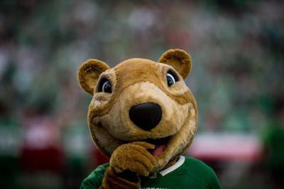 Saskatchewan Roughriders mascot Gainer the Gopher in hot water once again