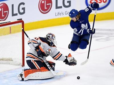 Maple Leafs forward William Nylander out for game after possible COVID exposure