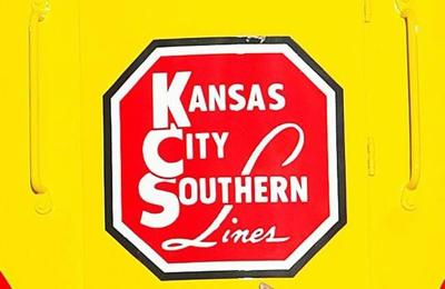 Kansas City Southern to scrap CP deal after revised US$33.6-billion offer from CN