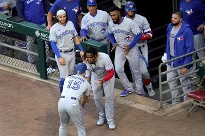 Grichuk homers, Blue Jays beat sloppy White Sox 6-2