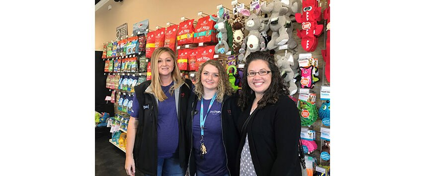 2019 Retailer of the Year: Pet Pros