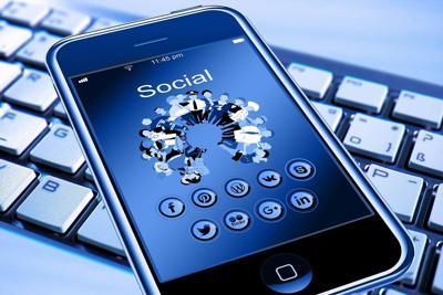 Pixabay, social media cell phone