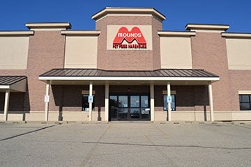 Mounds Pet Food Warehouse Still Focused on Community After 50 Years