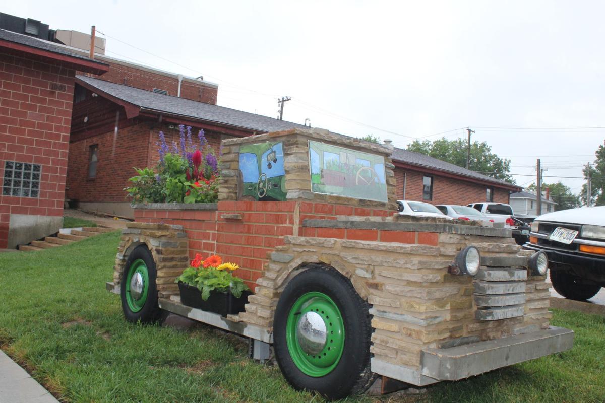 USA Tours stone truck