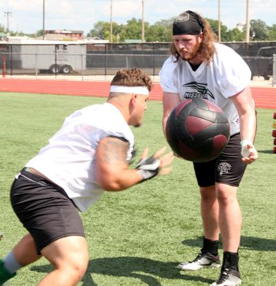 s&t football practice