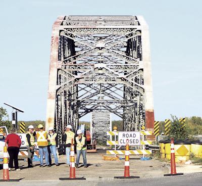 Champ Clark Bridge missing spans