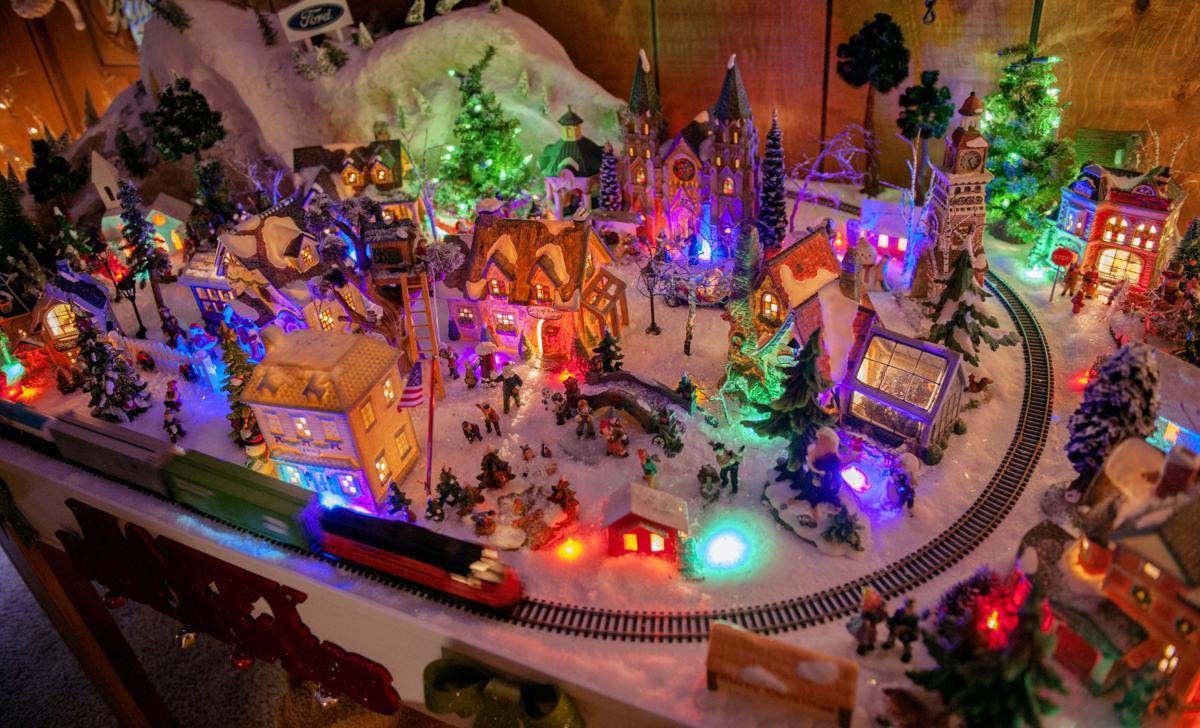 Mr. Christmas\' lights up Avon Lake | Arts And Entertainment ...