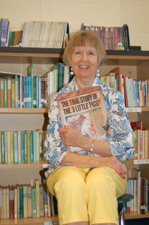 Story time: Westview library assistant retires after 40 years